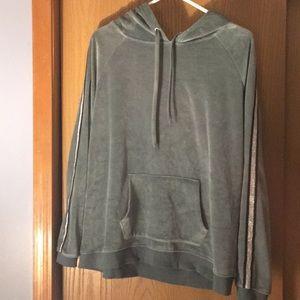 Jessica Simpson hoodie 💕
